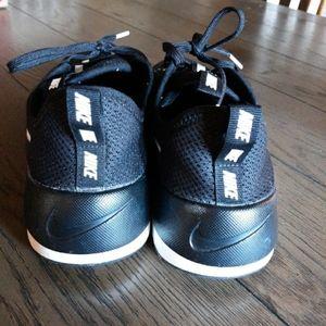 NIKE Shoes! Size 10 Women